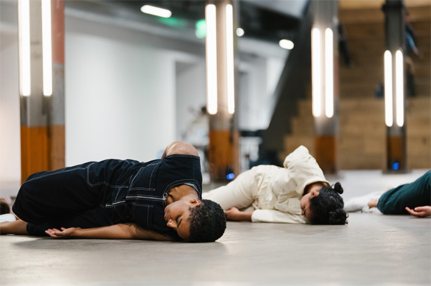Lydia Clinton and Cauveri Suresh in <I>Dance Exhibit</I>.<br />© Robbie Sweeny. (Click image for larger version)