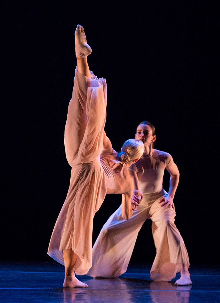 Zoey Anderson and Katie Garcia in Trey McIntyre's Eight Women.© Yi-Chun Wu. (Click image for larger version)
