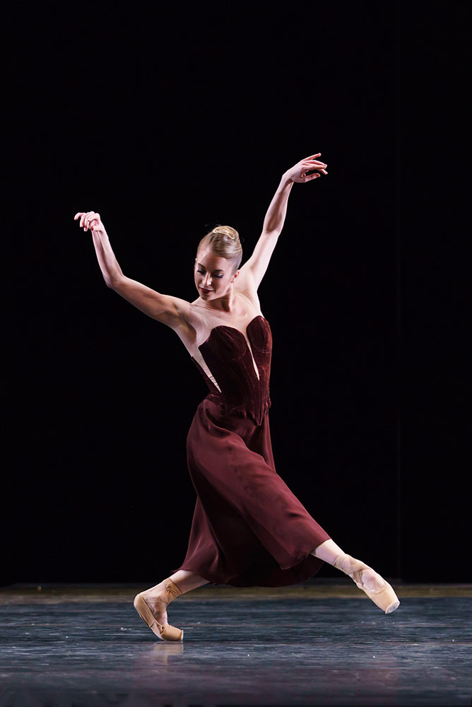 Meaghan Grace Hinkis in Asphodel Meadows.© Bill Cooper, courtesy the Royal Opera House. (Click image for larger version)