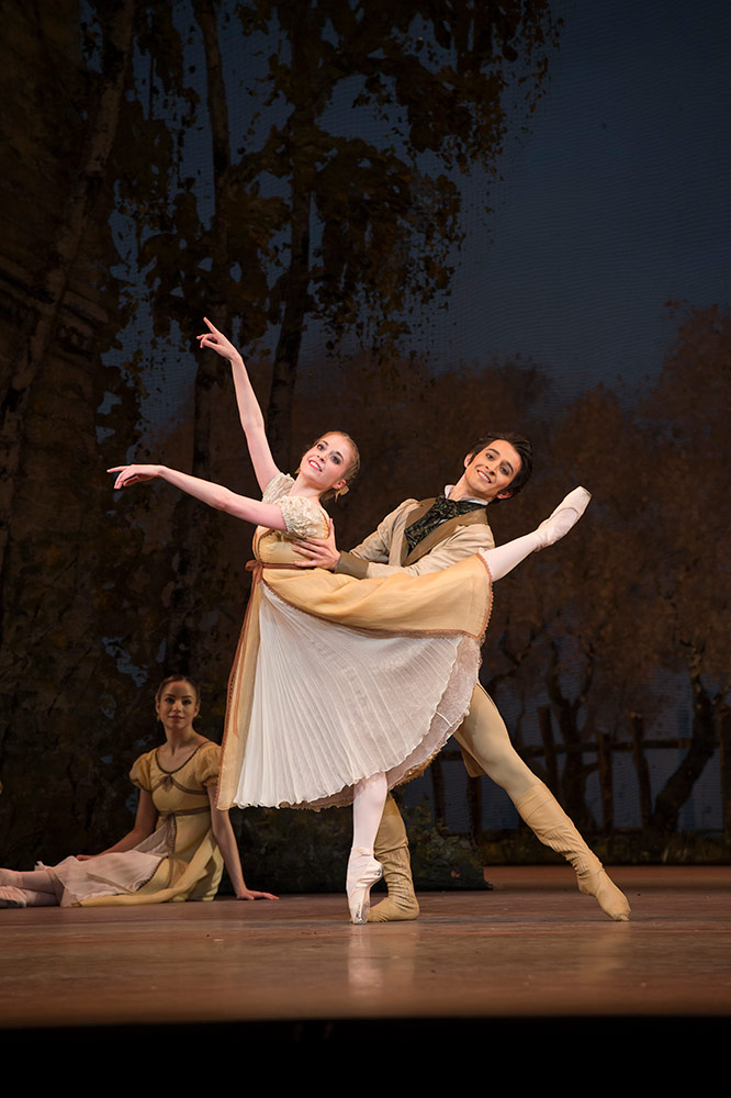 Meaghan Grace Hinkis, and Valentino Zucchetti, in Onegin.© Bill Cooper, courtesy the Royal Opera House. (Click image for larger version)