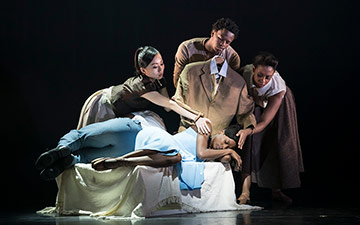 Sayaka Ichikawa, Mthuthuzeli November, Isabela Coracy and Cira Robison in Cathy Marston's The Suit.© Bill Cooper. (Click image for larger version)