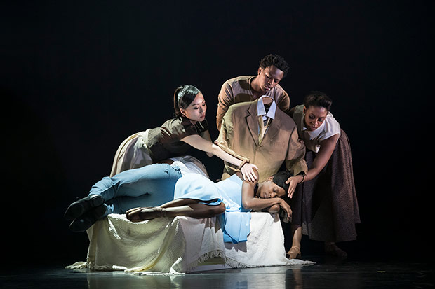 Sayaka Ichikawa, Mthuthuzeli November, Isabela Coracy and Cira Robison in Cathy Marston's <I>The Suit</I>.<br />© Bill Cooper. (Click image for larger version)