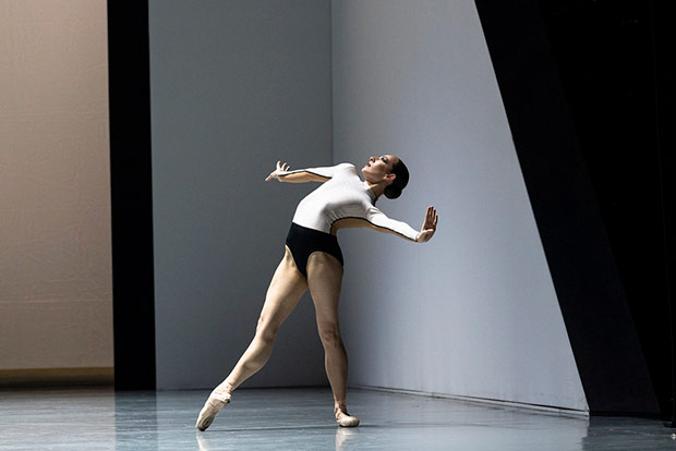 San Francisco Ballet in Anima Animus by David Dawson.© Foteini Christofilopoulou. (Click image for larger version)