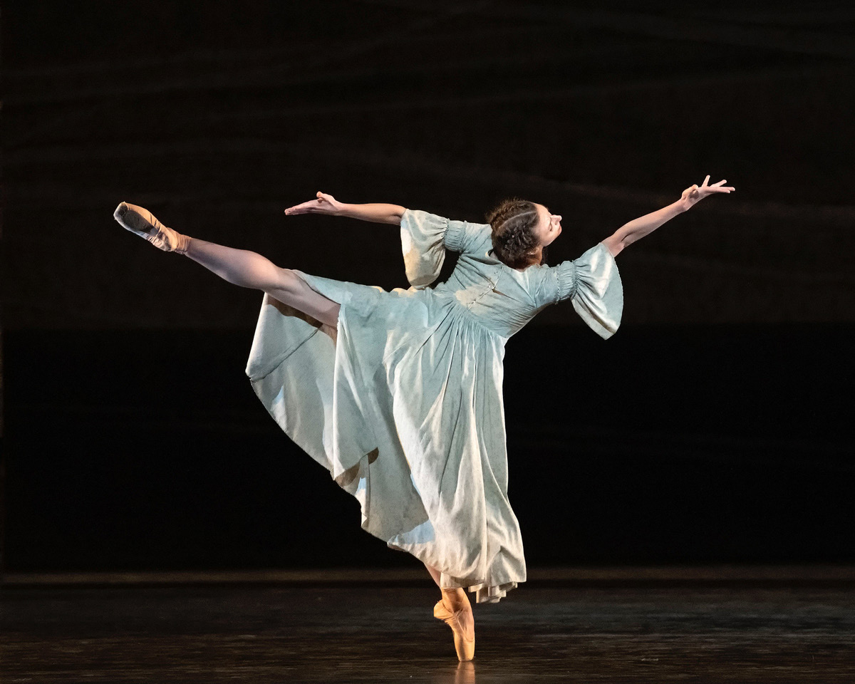 Devon Teuscher in Jane Eyre.© Gene Schiavone. (Click image for larger version)