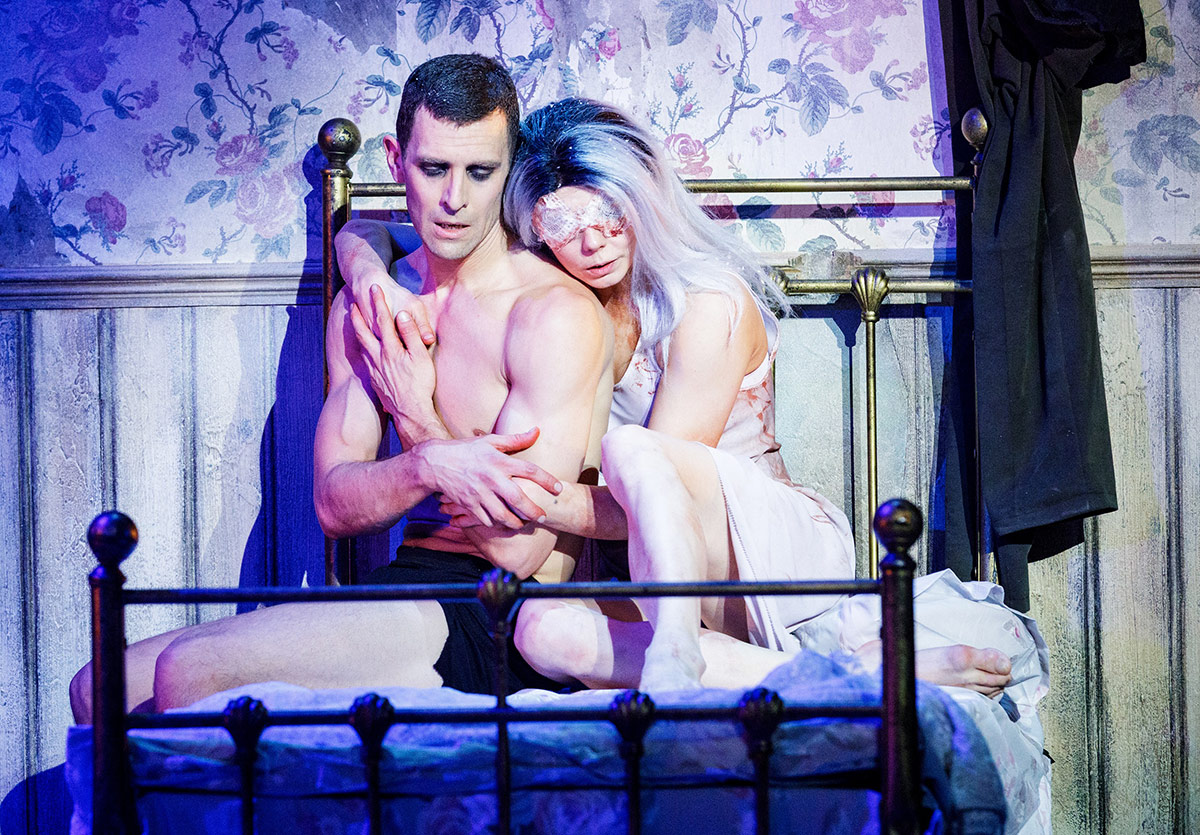 Natalia Osipova and Jonathan Goddard in The Mother.© Kenny Mathieson. (Click image for larger version)