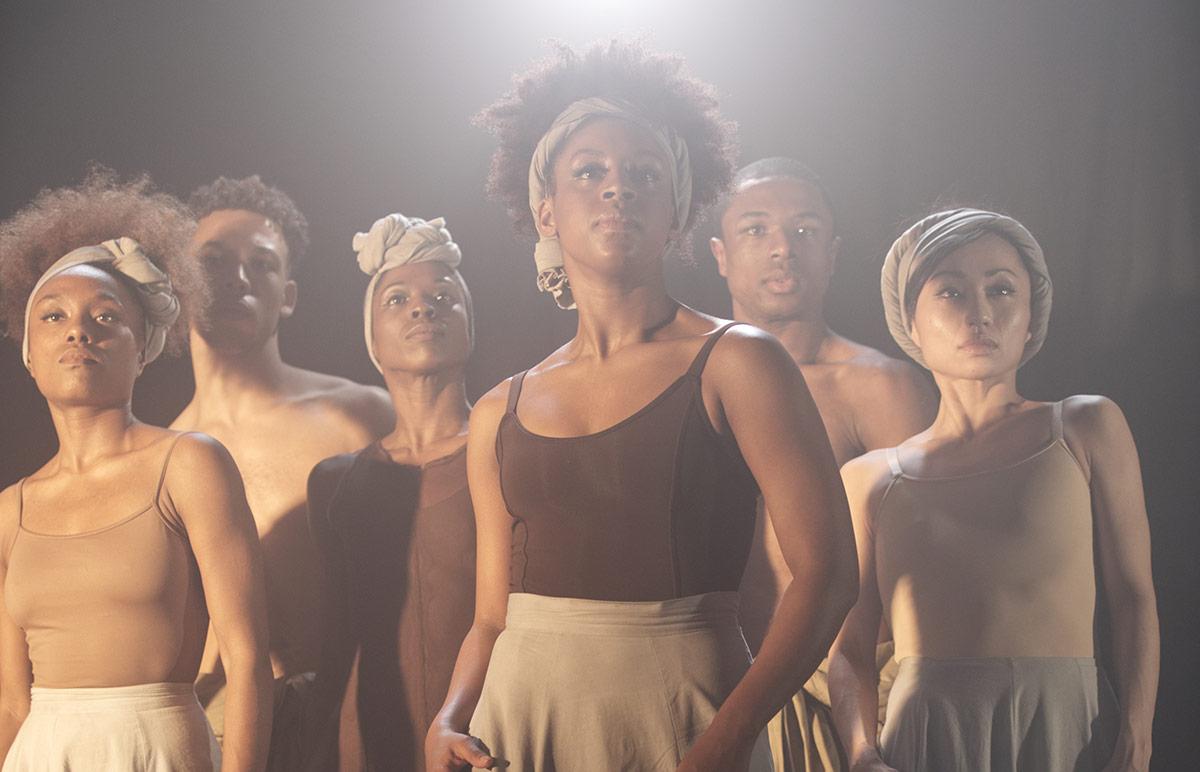 Ballet Black in Mthuthuzeli November's <I>Ingoma</I>.<br />© Mthuthuzeli November. (Click image for larger version)