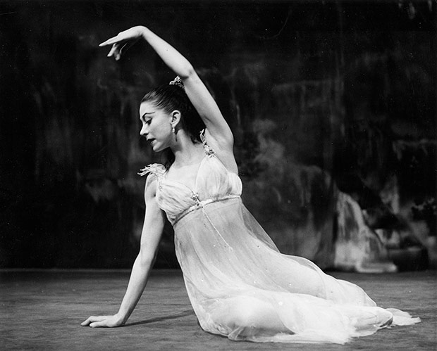 Margot Fonteyn as <I>Ondine</I>, 1958.<br />© Roger Wood, courtesy the Royal Opera House. (Click image for larger version)