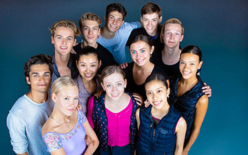 Dutch National Ballet Junior Company, 2018/19. For the names of dancers see this DNB webpage. © Altin Kaftira, courtesy DNB Website. (Click image for larger version)