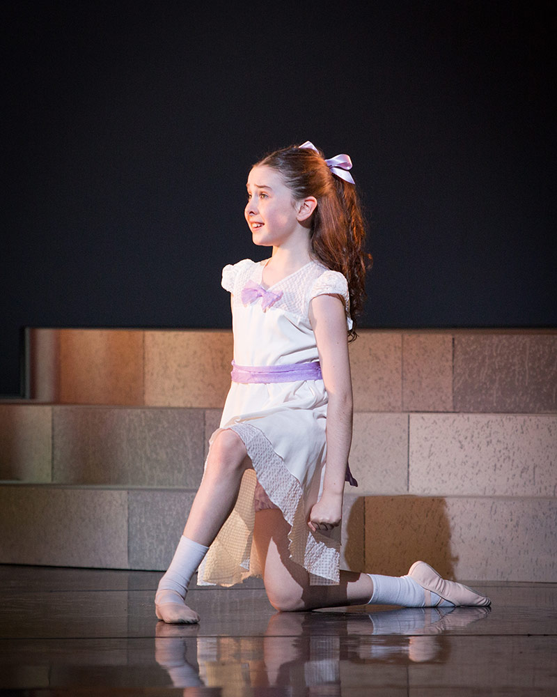 Annalise Wainwright-Jones in Ballet Shoes.© Alice Pennefather. (Click image for larger version)