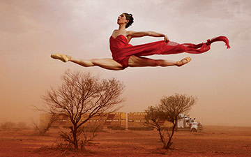 The Dancing Under The Southern Skies book cover, featuring Leanne Benjamin, in a photo © Jason Bell.© Australian Scholarly Publishing. (Click image for larger version)