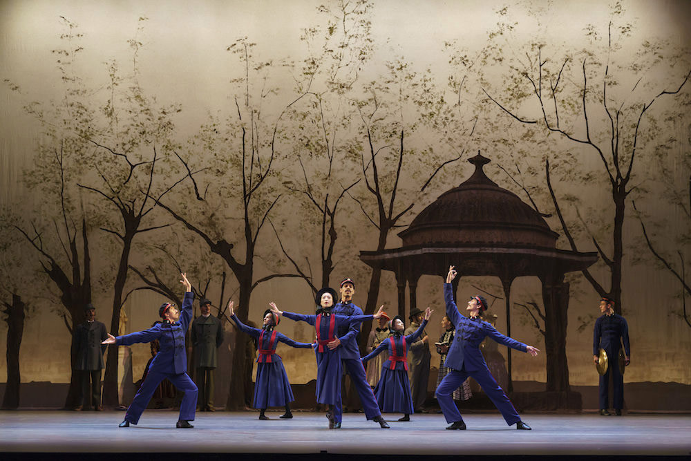 Birmingham Royal Ballet in Hobson's Choice.© Bill Cooper. (Click image for larger version)