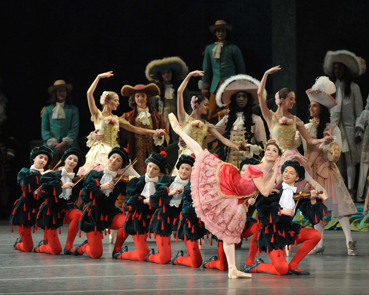 Cassandra Trenary in <I>The Sleeping Beauty</I>.<br />© John Grigaitis. (Click image for larger version)