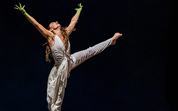 Natalie Alleston in Jeanguy Saintus' The Rite of Spring.© Tristram Kenton. (Click image for larger version)
