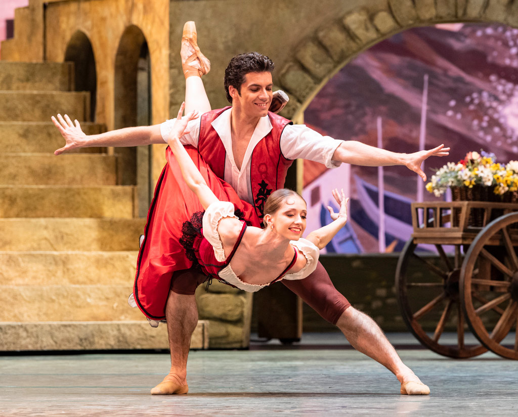 Margarita Shrainer and Igor Tsvirko in <I>Don Quixote</I> (rehearsal).<br />© Foteini Christofilopoulou. (Click image for larger version)