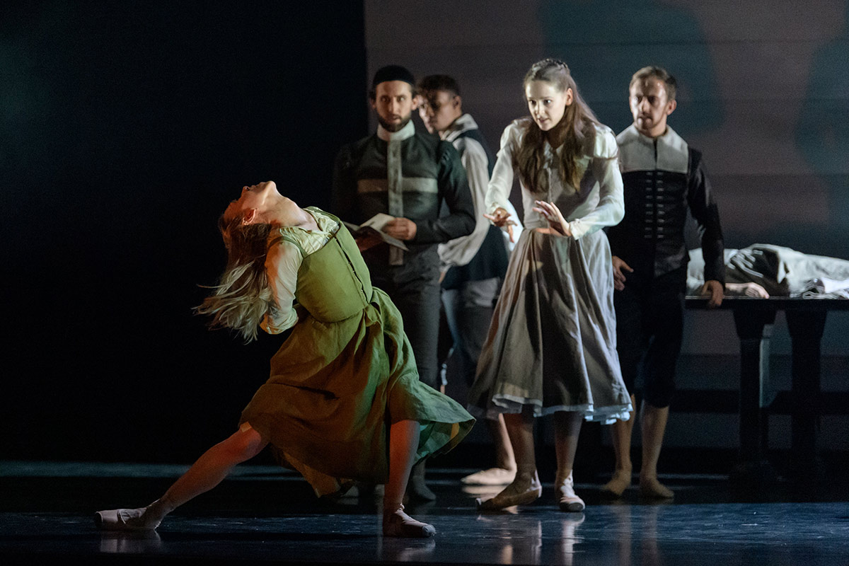 Constance Devernay and company in Helen Pickett's The Crucible.© Jane Hobson. (Click image for larger version)