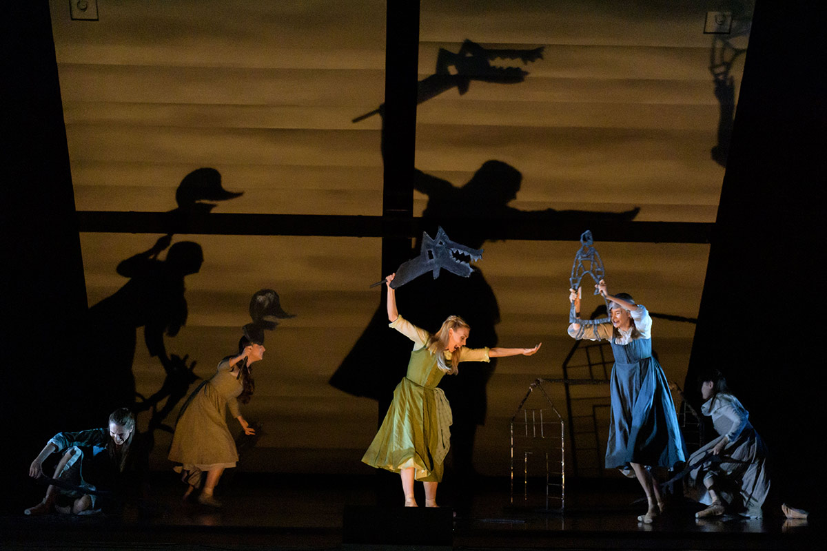 Scottish Ballet in Helen Pickett's The Crucible.© Jane Hobson. (Click image for larger version)