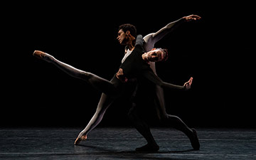 Lauren Cuthbertson and Marelino Sambé in Juliano Nuñes' Two Sides Of.© Maria Baranova. (Click image for larger version)