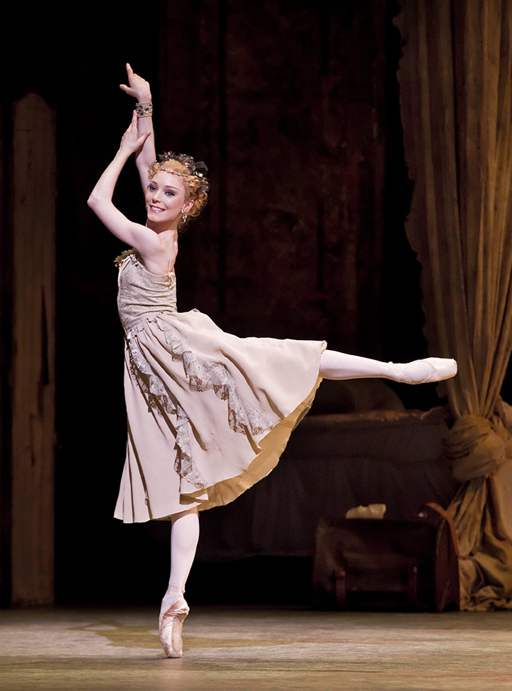 Sarah Lamb in <I>Manon</I>.<br />© Johan Persson, courtesy the Royal Opera House. (Click image for larger version)