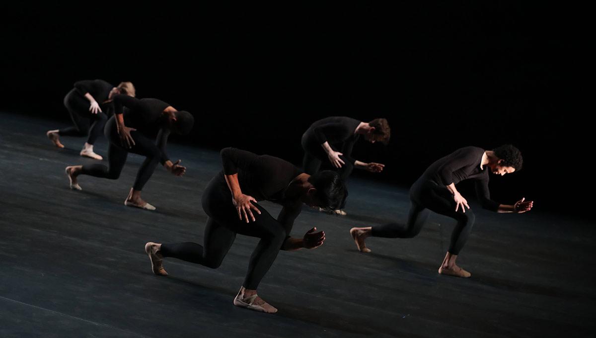 Houston Ballet in Aszure Barton's Come In.© Amitava Sarkar. (Click image for larger version)