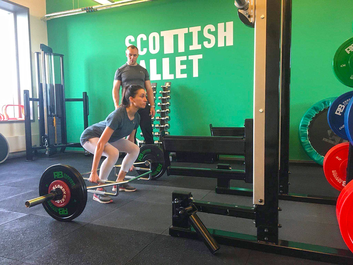 Proving women lift too with strength and conditioning coach Rupert Wiltshire.<br />© Araminta Wraith. (Click image for larger version)