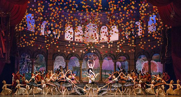 Mariinsky Ballet in <I>Paquita</I>.<br />© Darian Volkova. (Click image for larger version)