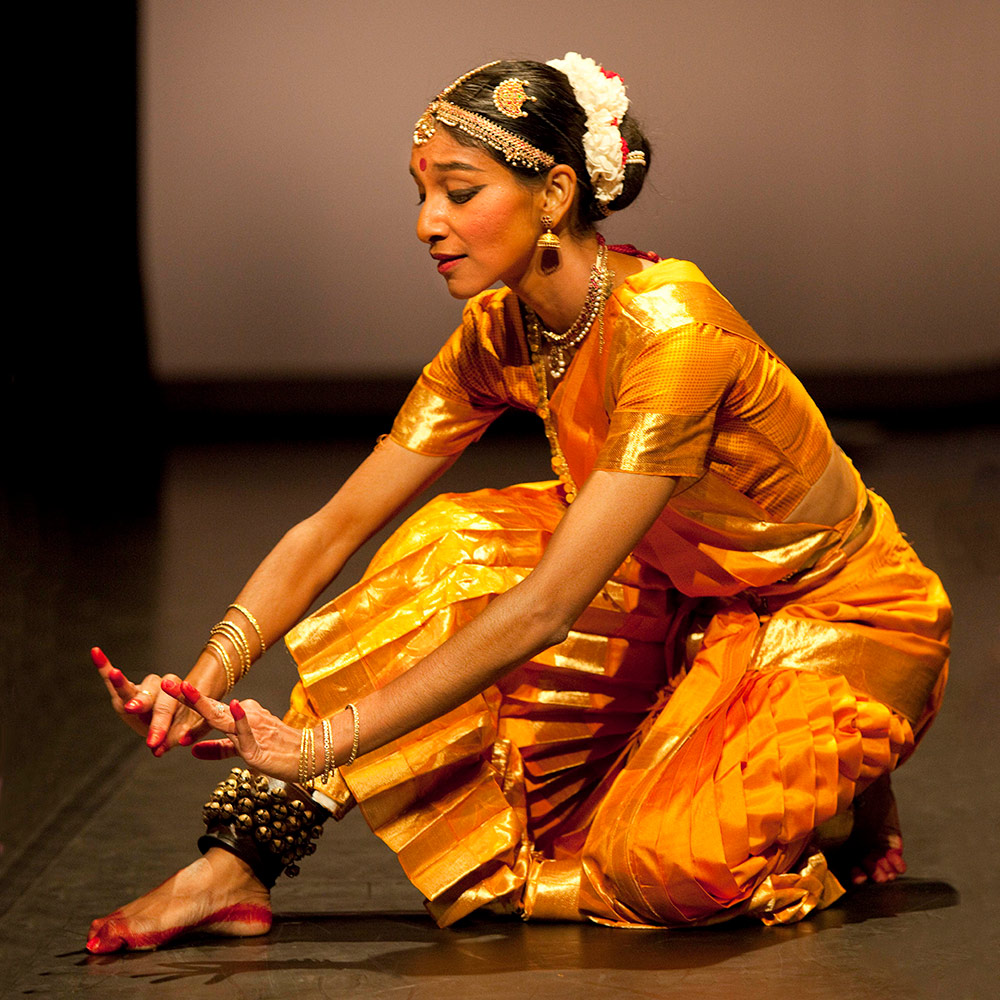 Shantala Shivalingappa in Akasha.© Elian Bachini. (Click image for larger version)