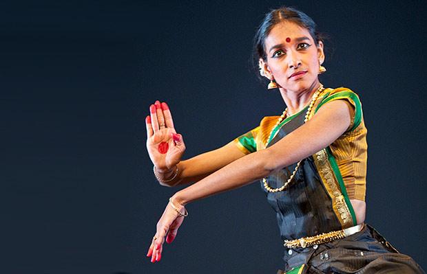 Shantala Shivalingappa in <I>Akasha</I>.<br />© Elian Bachini. (Click image for larger version)
