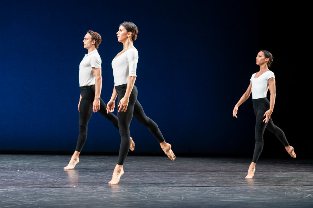 Cross Currants by Merce Cunningham: Mayara Magri, Matthew Ball and Francesca Hayward.© Foteini Christofilopoulou, courtesy the Royal Opera House. (Click image for larger version)