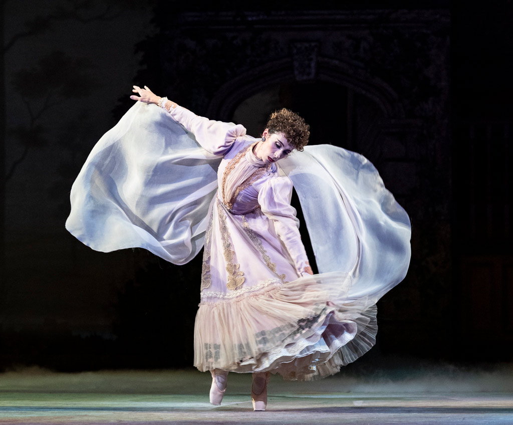 Itziar Mendizabal in Enigma Variations.© Foteini Christofilopoulou, courtesy the Royal Opera House. (Click image for larger version)