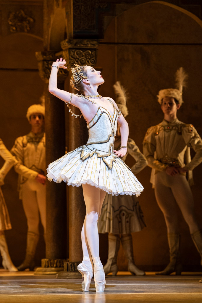 Sarah Lamb in Raymonda Act III.© Foteini Christofilopoulou, courtesy the Royal Opera House. (Click image for larger version)