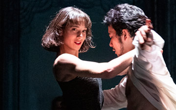Ballet du Rhin in Les Beaux Dormants.© Foteini Christofilopoulou. (Click image for larger version)