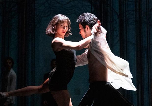 Ballet du Rhin in <I>Les Beaux Dormants</I>.<br />© Foteini Christofilopoulou. (Click image for larger version)