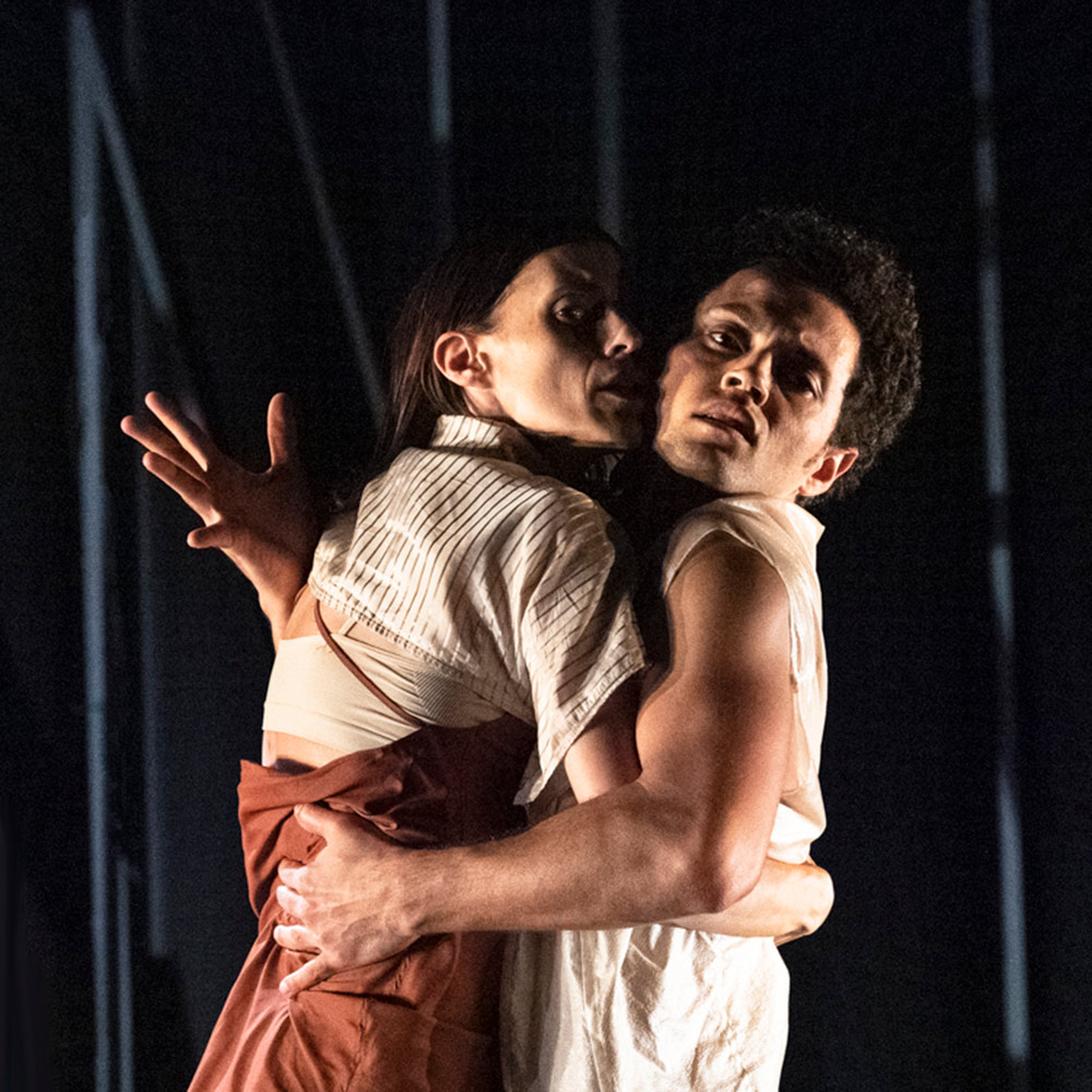 Catarina Carvalho and Dane Hurst in Staging Schiele.© Foteini Christofilopoulou. (Click image for larger version)
