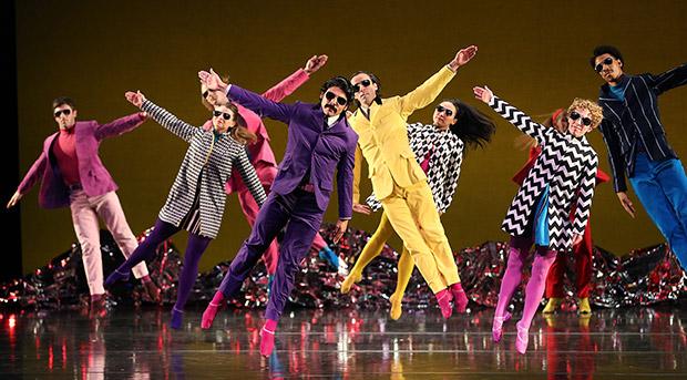 Mark Morris Dance Group in <I>Pepperland</I>.<br />© Gareth Jones. (Click image for larger version)