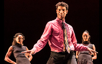 Carlos Acosta and Acosta Danza in Rooster.© Johan Persson. (Click image for larger version)