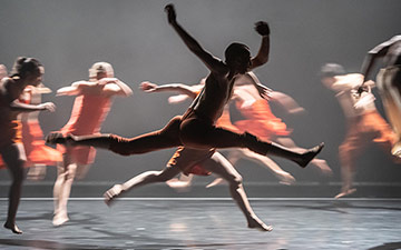 Rambert2 in Andrea Miller's Sama.© Stephen Wright. (Click image for larger version)