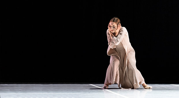 San Francisco Ballet in London: Jennifer Stahl in <I>Snowblind</I> by Cathy Marston. © Foteini Christofilopoulou. (Click image for larger version)