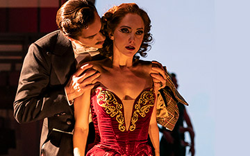 Ashley Shaw and Adam Cooper in The Red Shoes.© Johan Persson. (Click image for larger version)