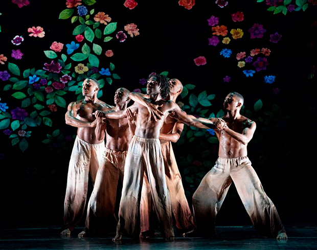 Alvin Ailey American Dance Theater in Jamar Roberts' <I>Ode</I>.<br />© Paul Kolnik. (Click image for larger version)
