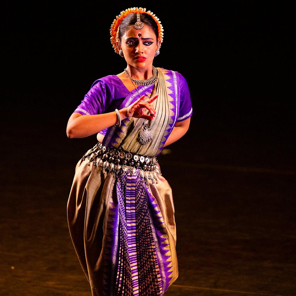 Madhavi Mudgal's <I>Vistar</I>.<br />© Rehmat Rayatt. (Click image for larger version)