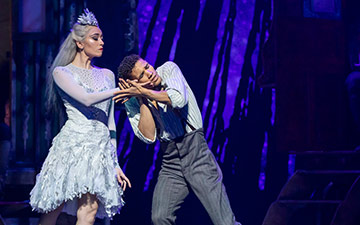 Araminta Wraith and Jerome Barnes in The Snow Queen.© Andy Ross. (Click image for larger version)
