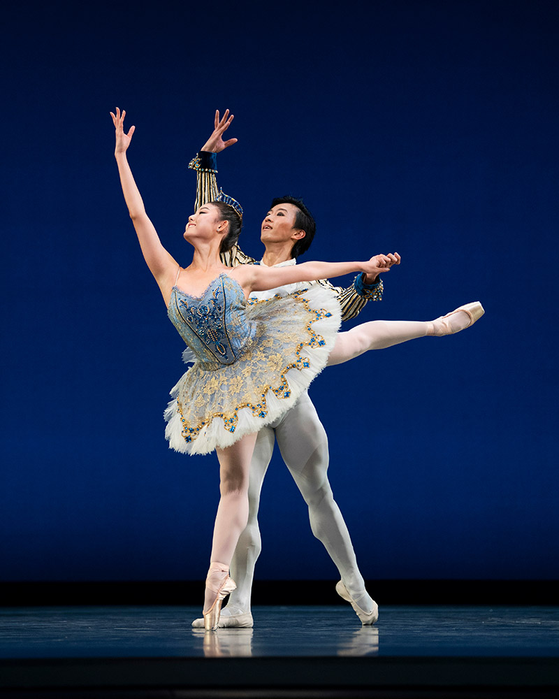 Wona Park and Wei Wang in Gsovsky's Grand Pas Classique.© Erik Tomasson. (Click image for larger version)