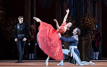 Natalia Osipova and Gary Avis in Onegin.© Foteini Christofilopoulou, courtesy the Royal Opera House. (Click image for larger version)