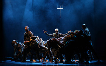 Vuyani Dance Theatre in Cion: Requiem of Ravel's Boléro.© John Hogg. (Click image for larger version)