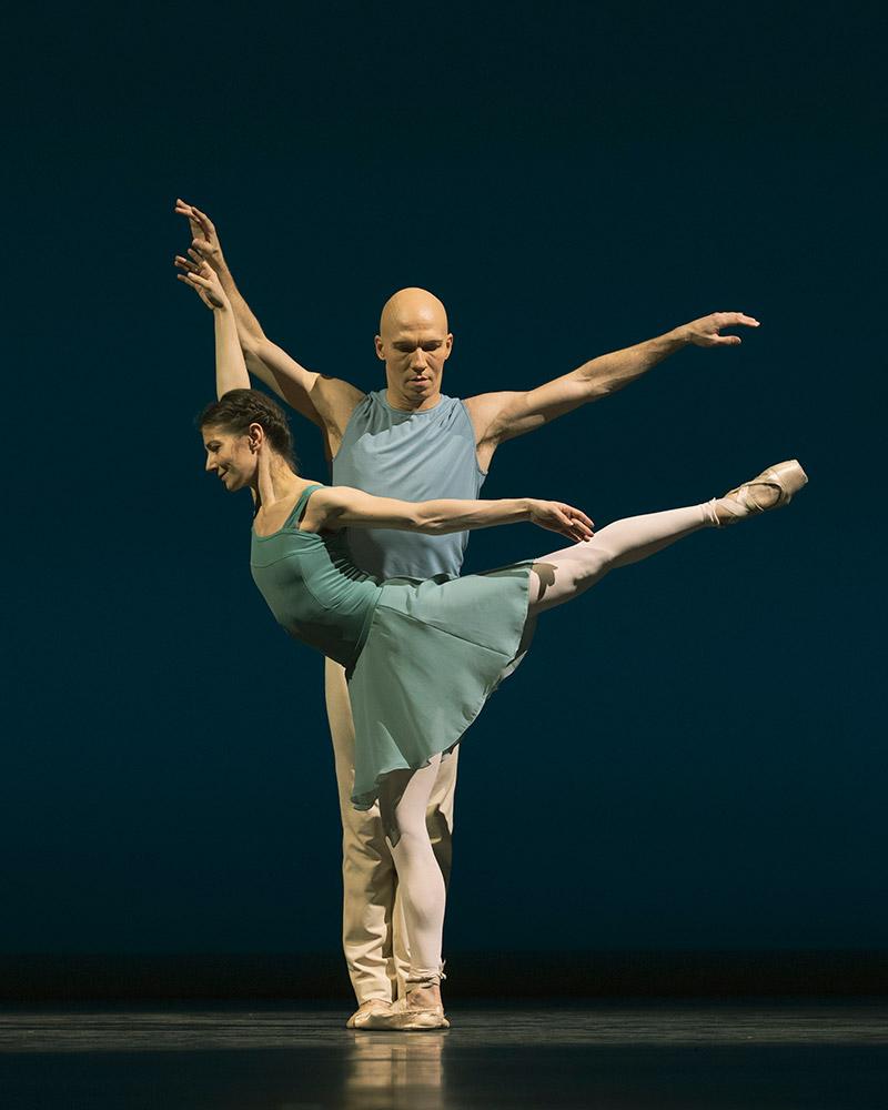 Alina Cojocaru and Johan Kobborg in <I>Reminiscence</I>.<br />© Andrej Uspenski. (Click image for larger version)