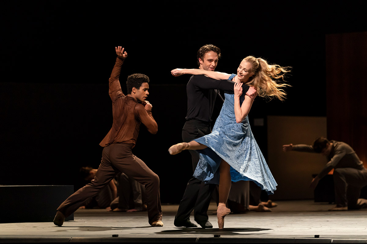 Marcelino Sambé, Matthew Ball and Lauren Cuthbertson in The Cellist.© Bill Cooper, courtesy the Royal Opera House. (Click image for larger version)
