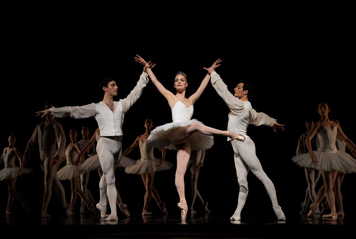 San Francisco Ballet in Lander's Etudes.© Erik Tomasson. (Click image for larger version)