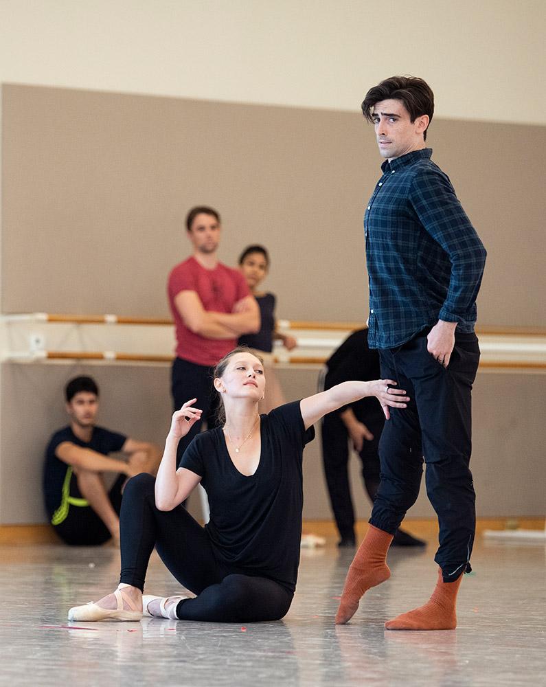Sarah Van Patten and Joseph Walsh rehearse Marston's <I>Mrs. Robinson</I>.<br />© Erik Tomasson. (Click image for larger version)