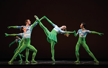 San Francisco Ballet in Morris' Sandpaper Ballet.© Erik Tomasson. (Click image for larger version)