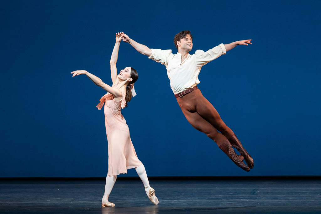Marianela Nuñez and Alexander Campbell in Dances at a Gathering.© Foteini Christofilopoulou, courtesy the Royal Opera House. (Click image for larger version)